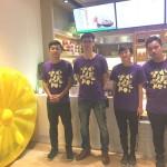 草本茶集大安森林店劉店長(右一)和工作夥伴們